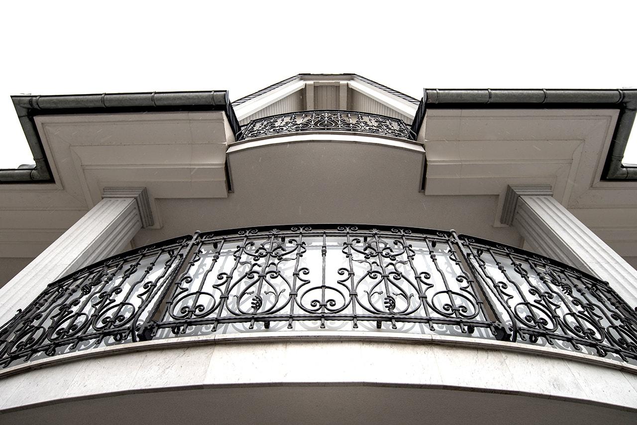 Kovane balkonske ograje po meri Kovaštvo Sarnek.si