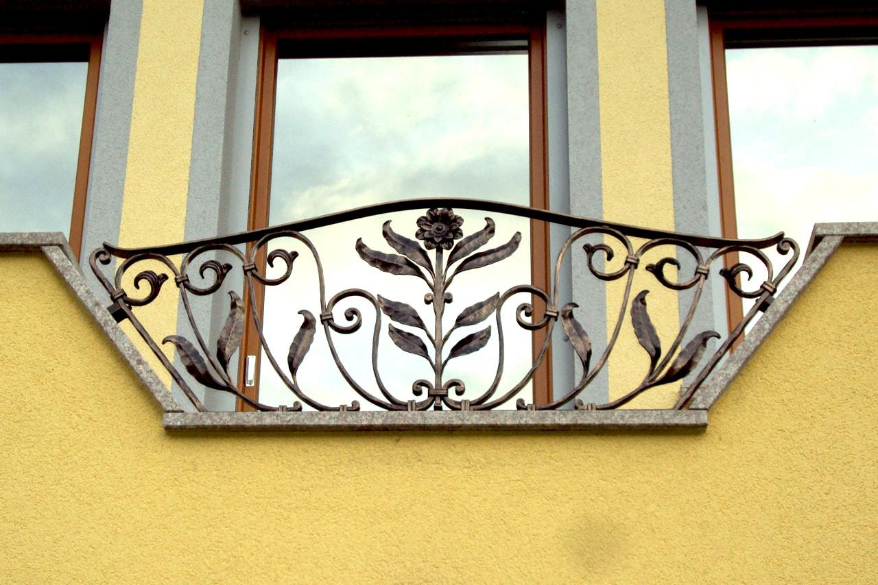 Kovana balkonska ograja umetno kovaštvo Sarnek.si Spodna Lipnica