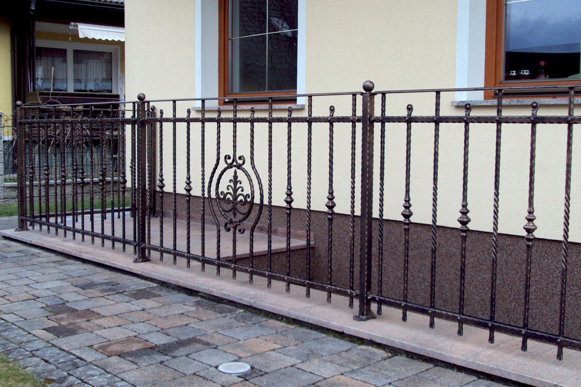 Kovana ograja Sarnek stopniščna ograja