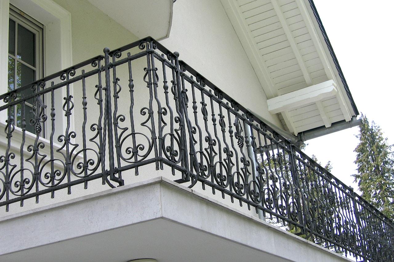 Kovane ograje Sarnek umetno kovaštvo