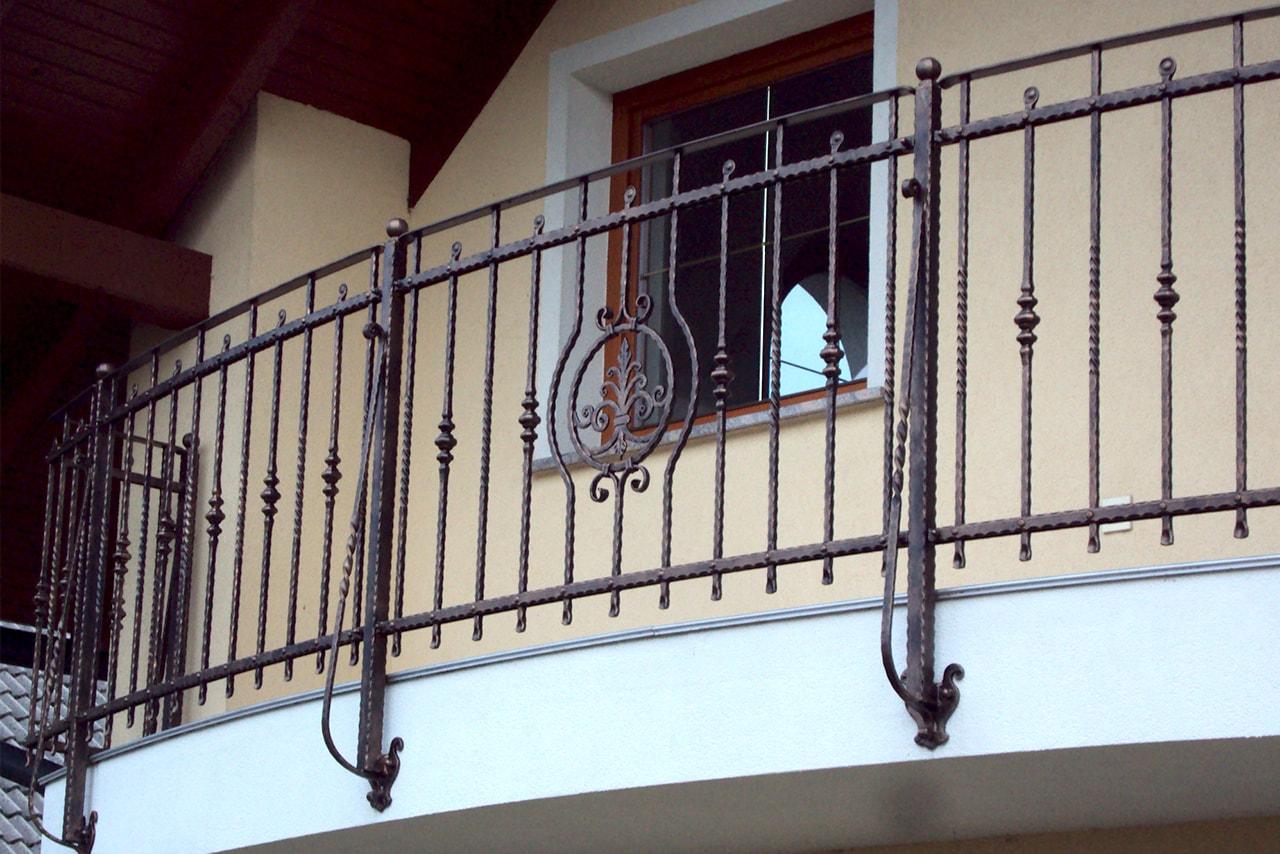 Unikatne kovinske ograje po meri Sarnek.si