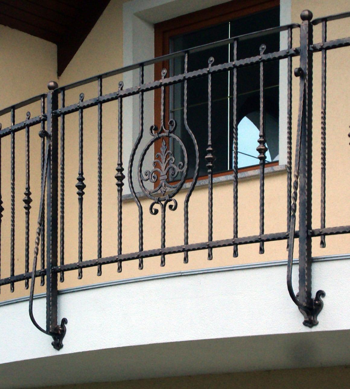 Kovane balkonske ograje Sarnek.si