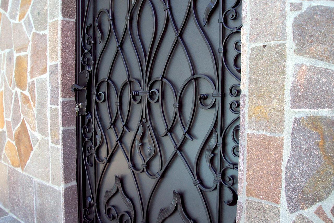 Vhodna vrata kovaštvo Sarnek.si