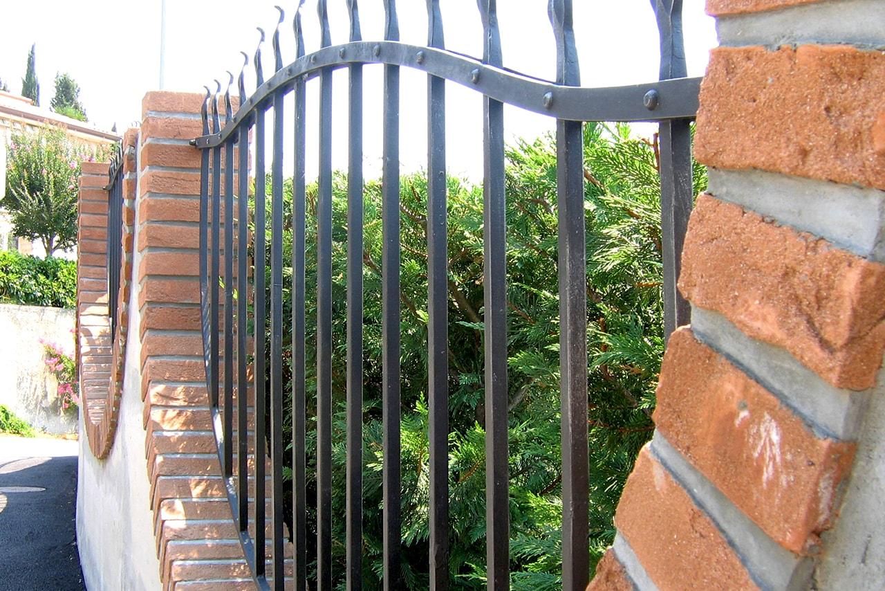 Kovane ograje po naročilu za vrt