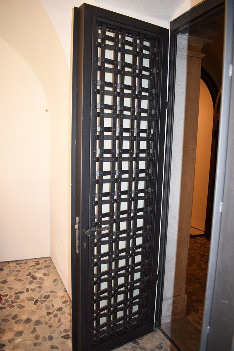 Kovaštvo Šarnek vhodna vrata-min