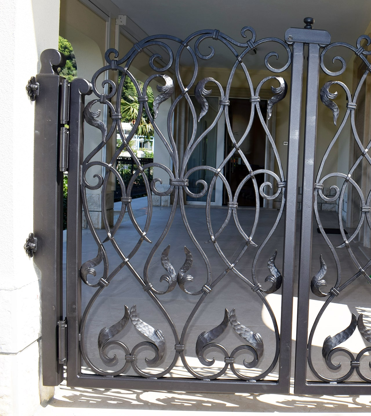 dvoriščna vrata kovana
