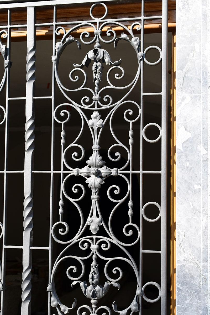 kovana vratna mreža šarnek