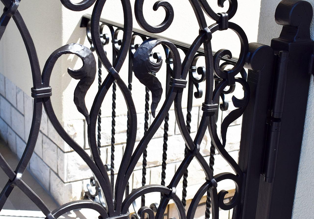 kovane dvorična vrata