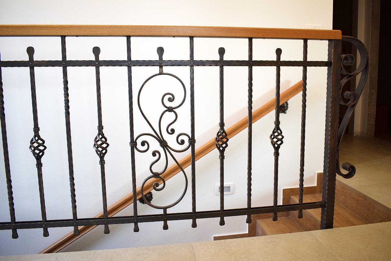 kovane ograje - stopniščna ograja
