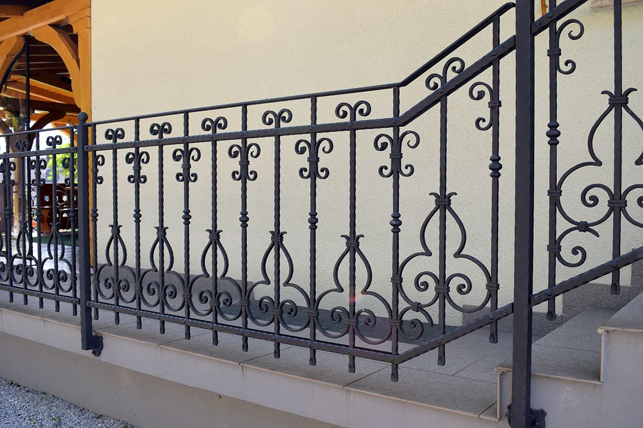 stopniščna ograja šarnek kovaštvo