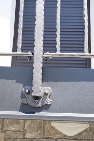 moderna-balkonska-ograja-sarnek-5-min