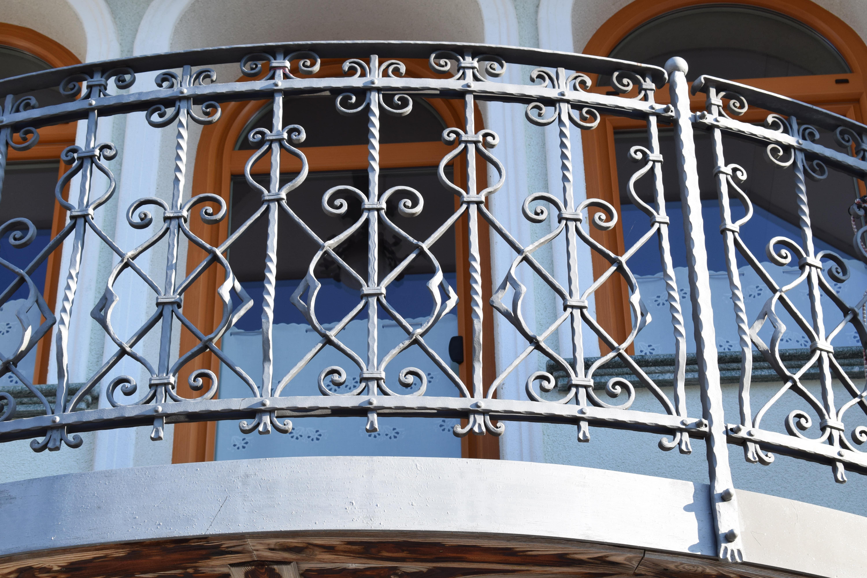 balkonska-kovana-ograja-Tera
