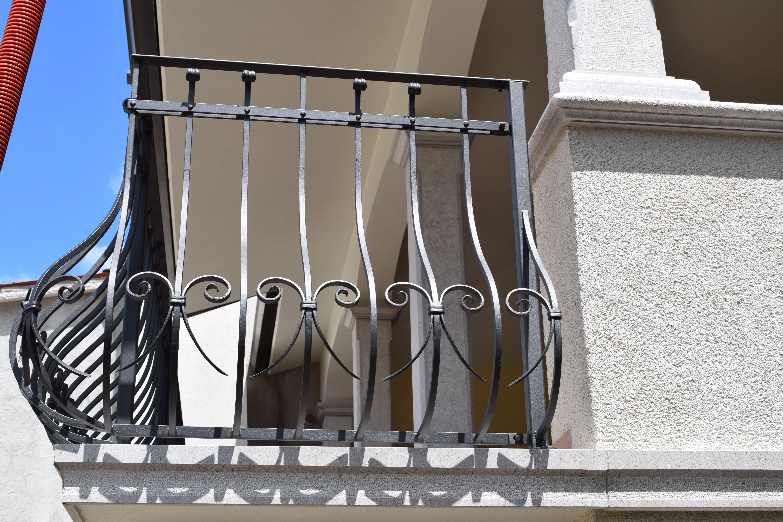 kovana-balkonska-ograja-Pia