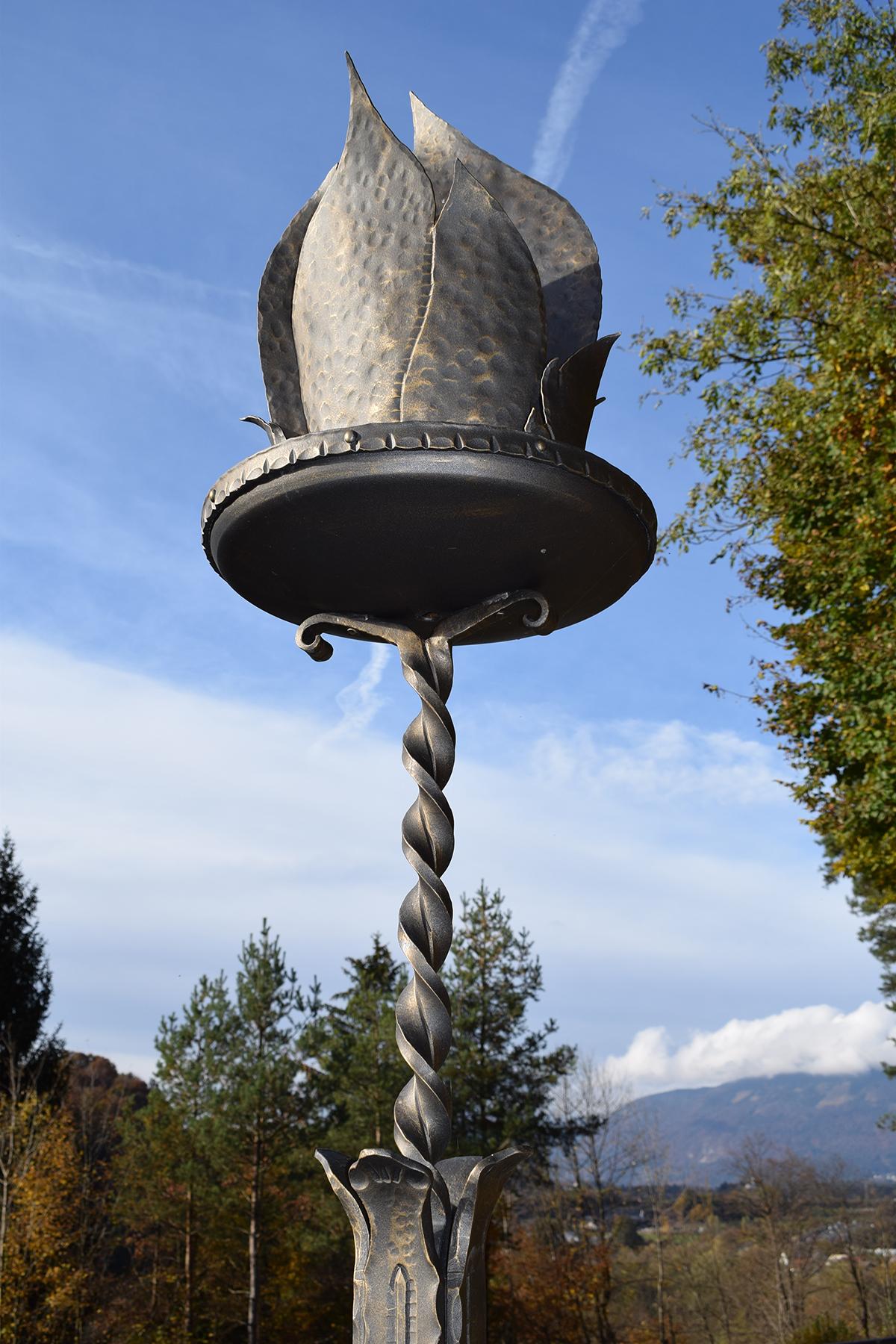 Spomenik Bistriškim žrtvam - Kovana plamenica